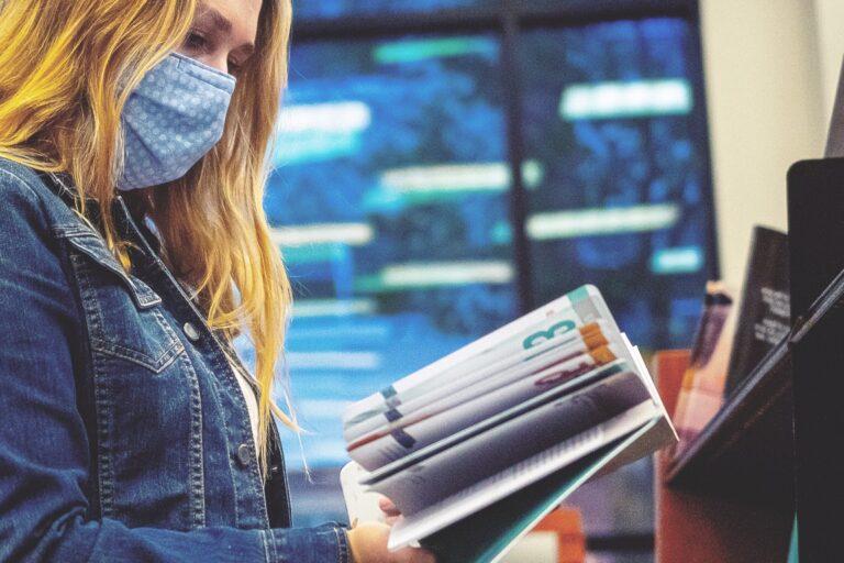 Accés lliure a les biblioteques